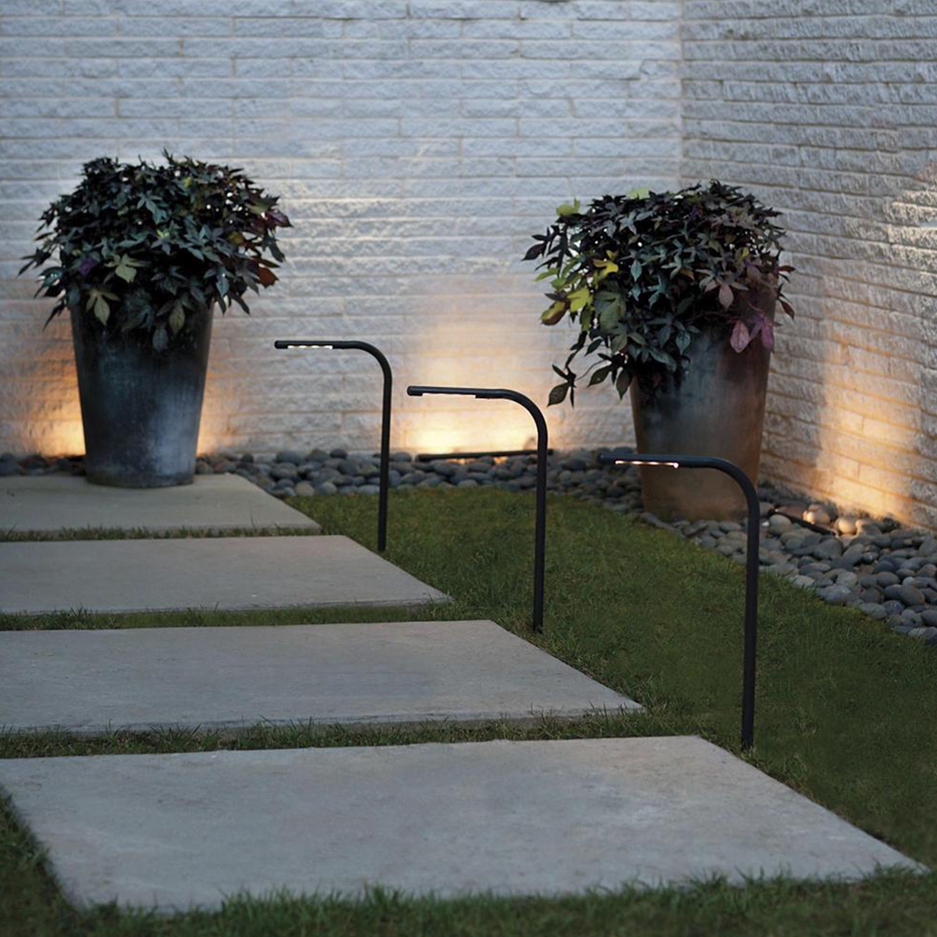 Image of: Landscape Lighting Guide Landscape Lighting Tips At Lumens Inside Landscape Spotlights Wonderful Landscape Spotlights At Night