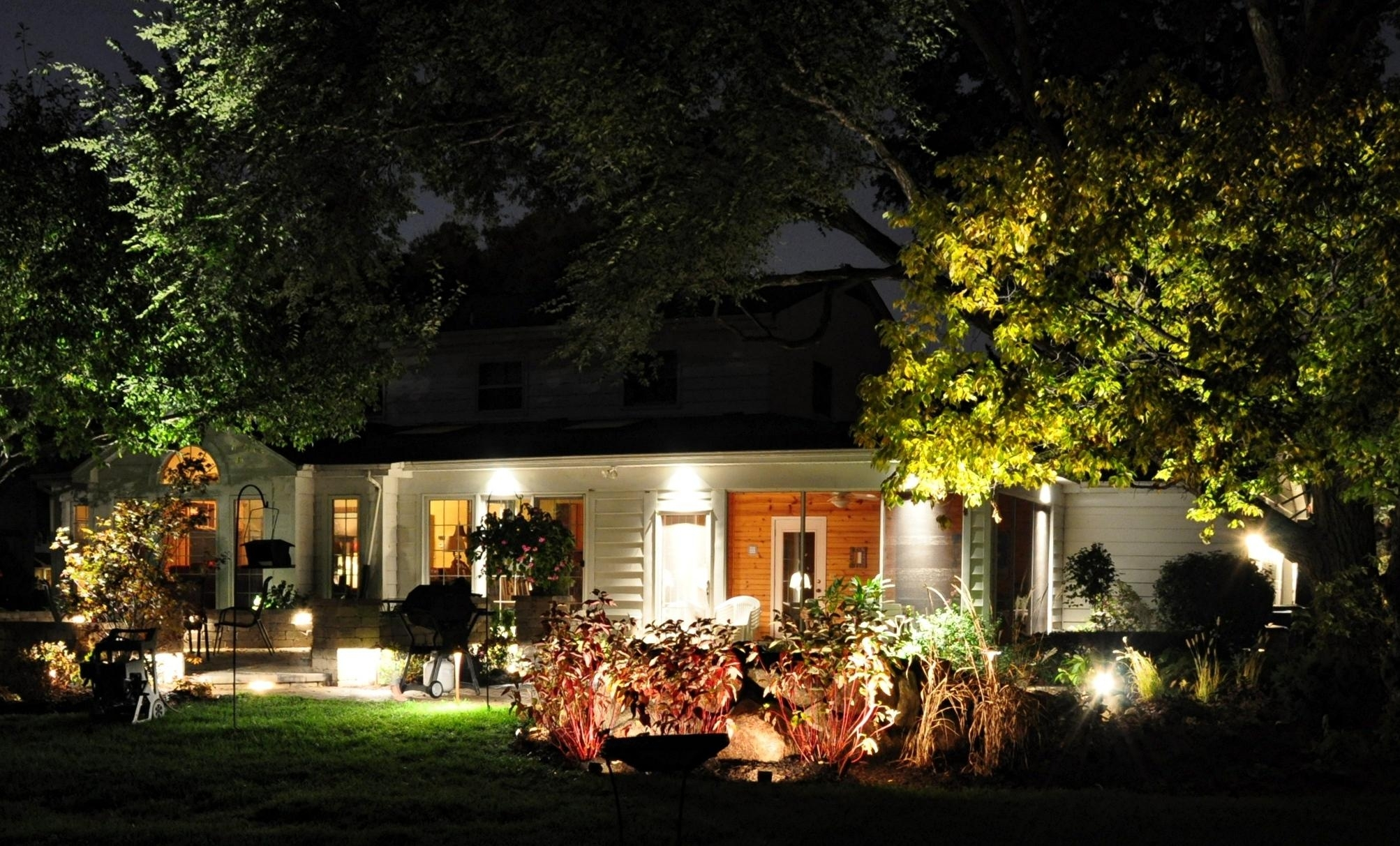 Image of: Landscape Outdoor Lighting 10 Ways To Bring Out The Beauty Of Intended For Outdoor Lighting Designs Outdoor Lighting Designs In Facades