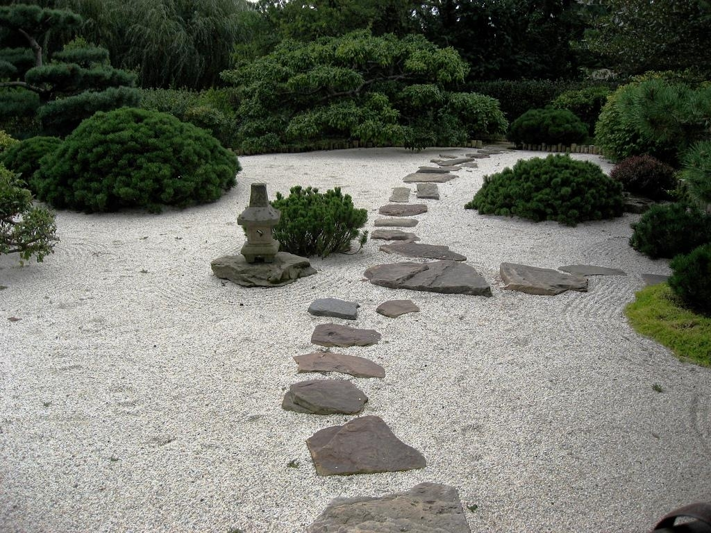 Image of: Landscape And Plants 2107 Diy Within Beauty Landscape Stepping Stones