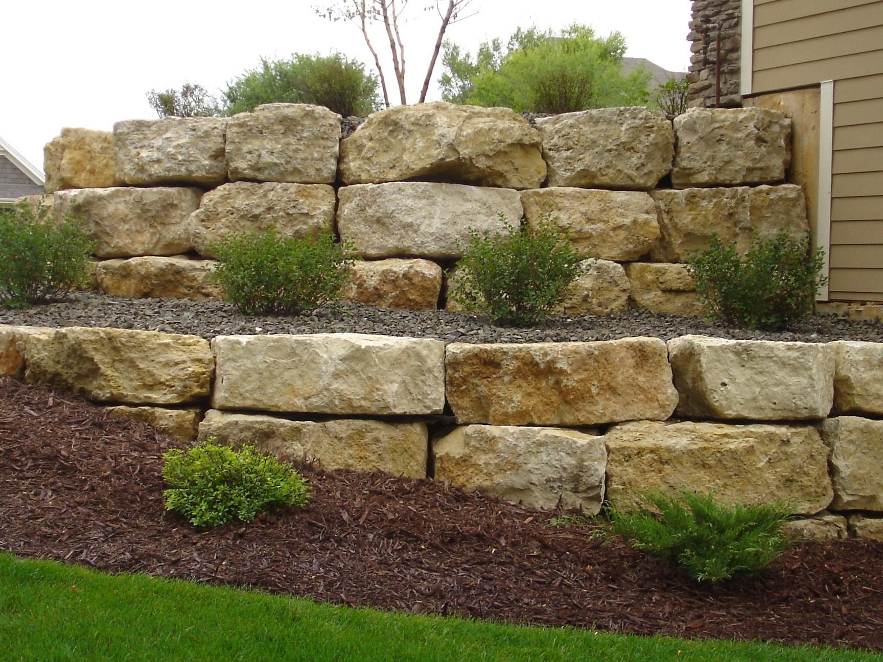 Image of: Crafts Home Ideas And Boulders For Landscaping