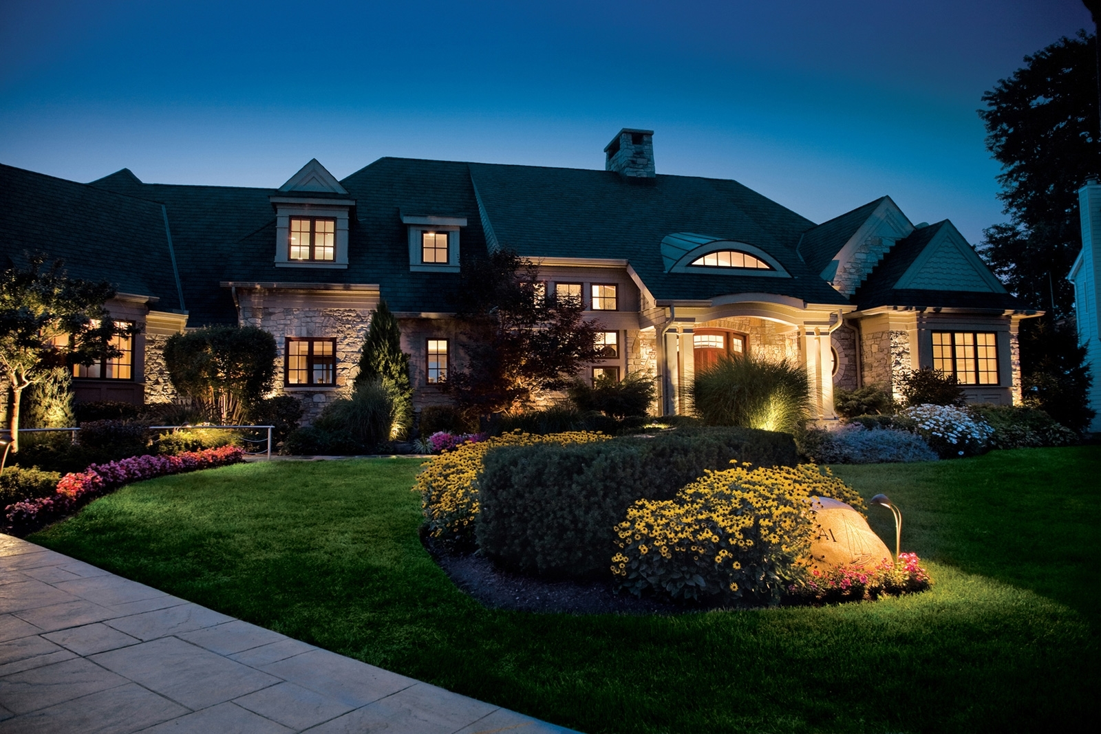 Image of: Led Light Design Glamorous Led Outdoor Landscape Lighting Outdoor Intended For Outdoor Lighting Designs Outdoor Lighting Designs In Facades