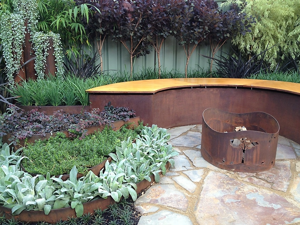 Image of: Landscape And Plants With Landscape Metal Edging Garden