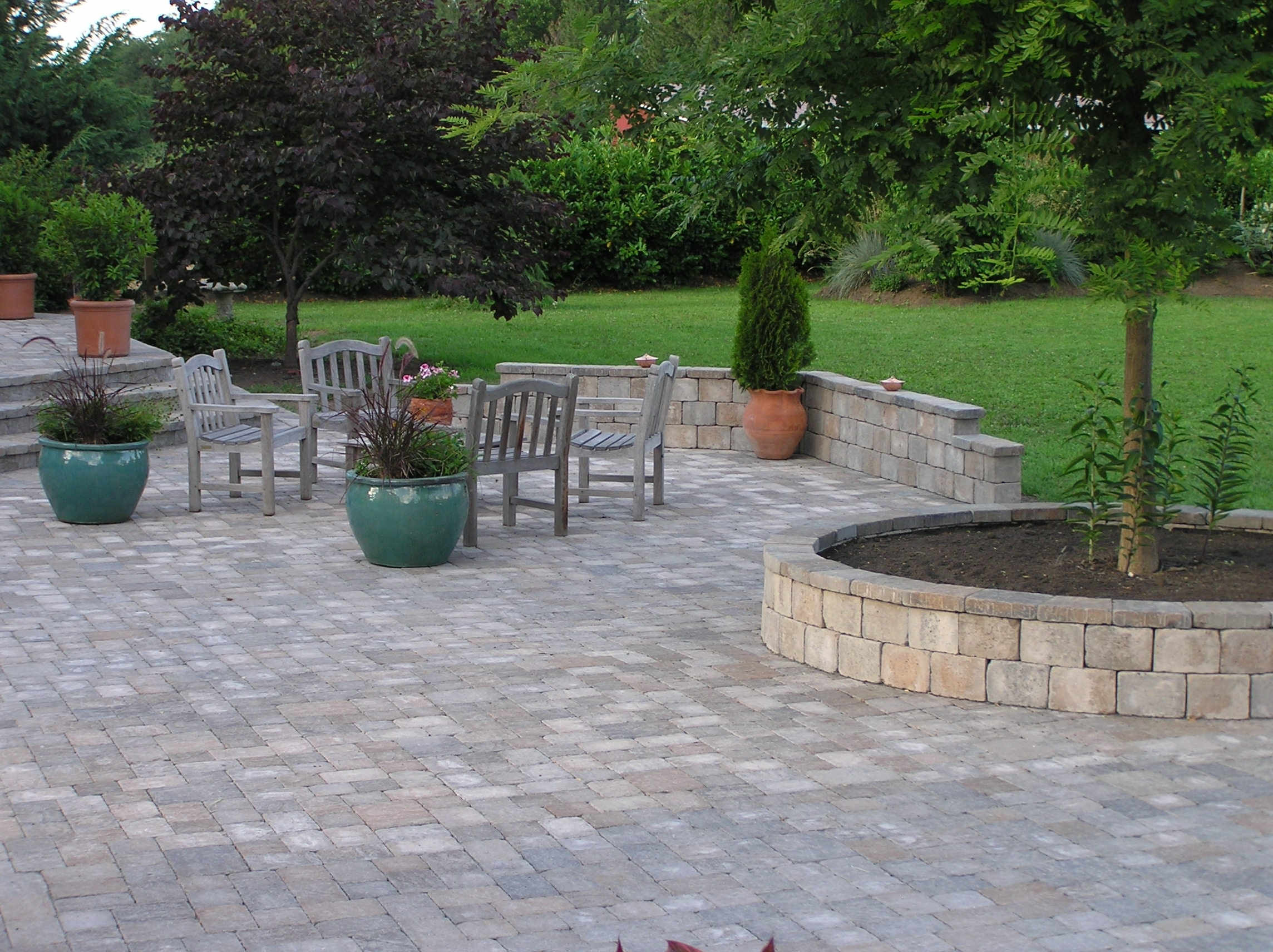 Image of: Modern Design Landscaping Pavers Agreeable Lewis Landscape Throughout Landscaping Pavers Easy Steps To Install Landscaping Pavers