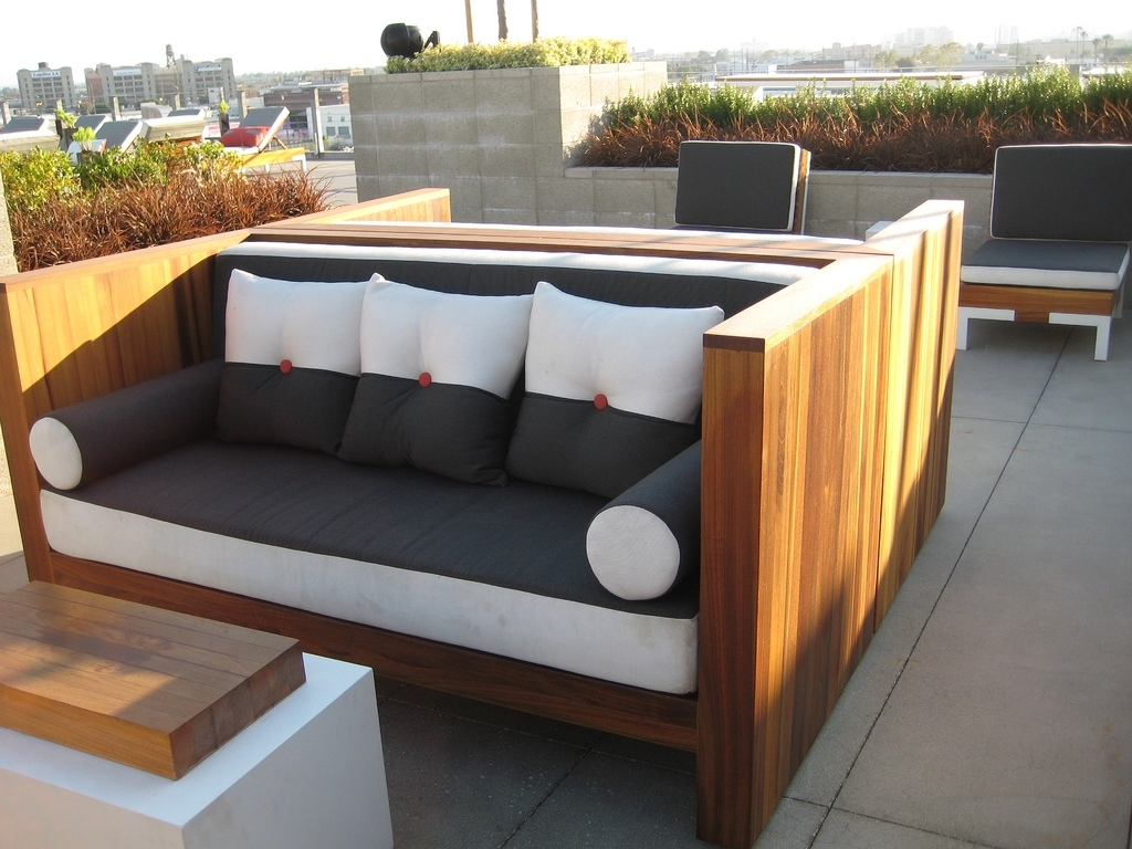 Image of: Modern Outdoor Design With Denver Commercial Patio Furniture And With White Oak Outdoor Furniture Good Protector For White Oak Outdoor Furniture