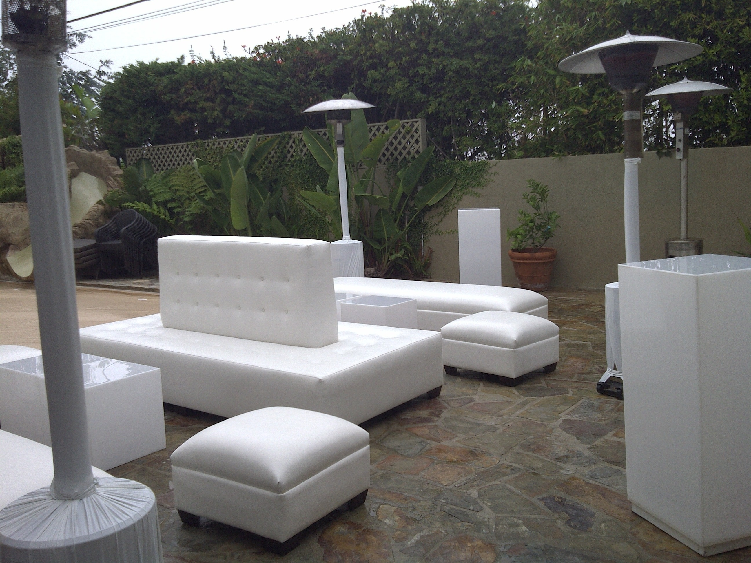Image of: Modern Outdoor Lounge Furniture Within Outdoor Contemporary Furniture Wooden Outdoor Contemporary Furniture