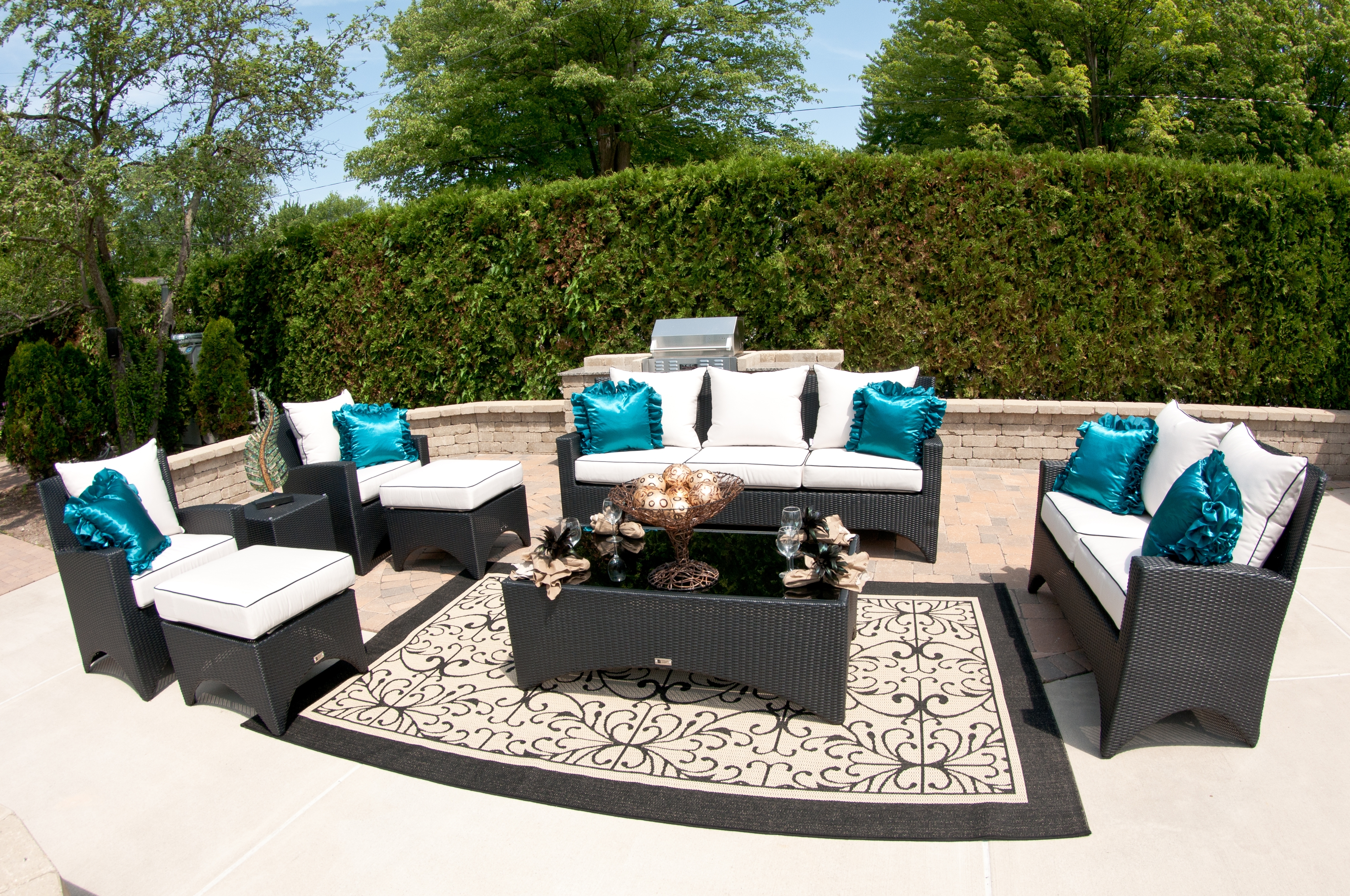 Image of: The World With High End Outdoor Furniture