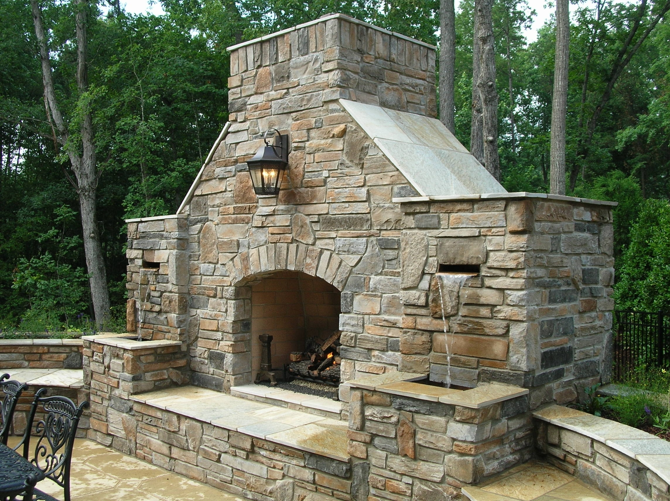 Image of: Outdoor Fireplace Kits For The Diyer Fireplace Kits In Masonry Outdoor Fireplace The Right Options For Masonry Outdoor Fireplace