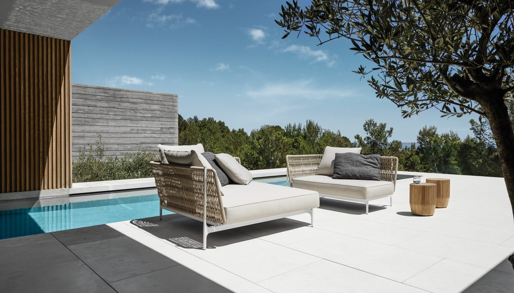 Image of: Beautiful Outdoor Furniture Design With High End Outdoor Furniture