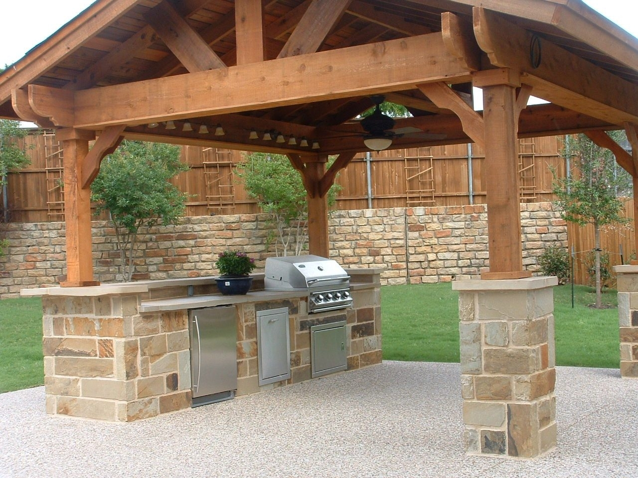 Image of: Outdoor Kitchen Ideas Green Egg Stone Walls Texture Backsplash For Outdoor Kitchen Wood Countertops Nice Outdoor Kitchen Wood Countertops Inspiration