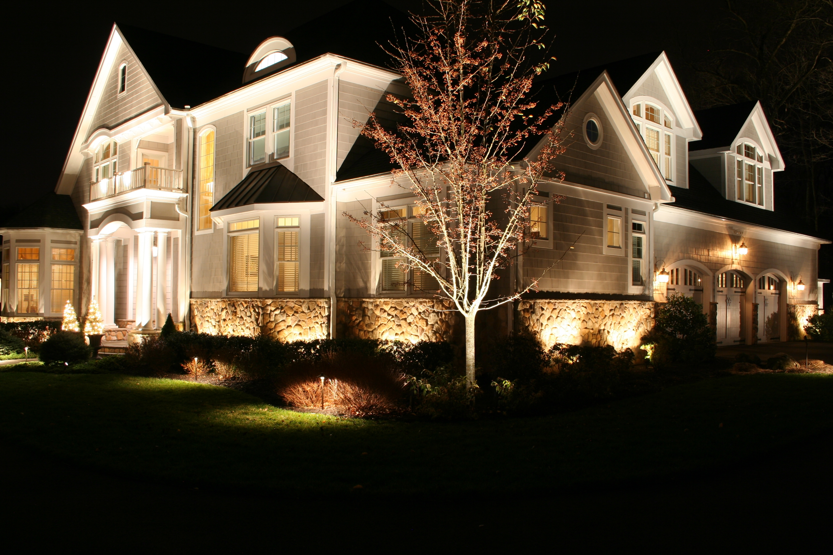 Image of: Outdoor Landscape Lighting Design Ideas Also Images Hamipara For Outdoor Lighting Designs Outdoor Lighting Designs In Facades