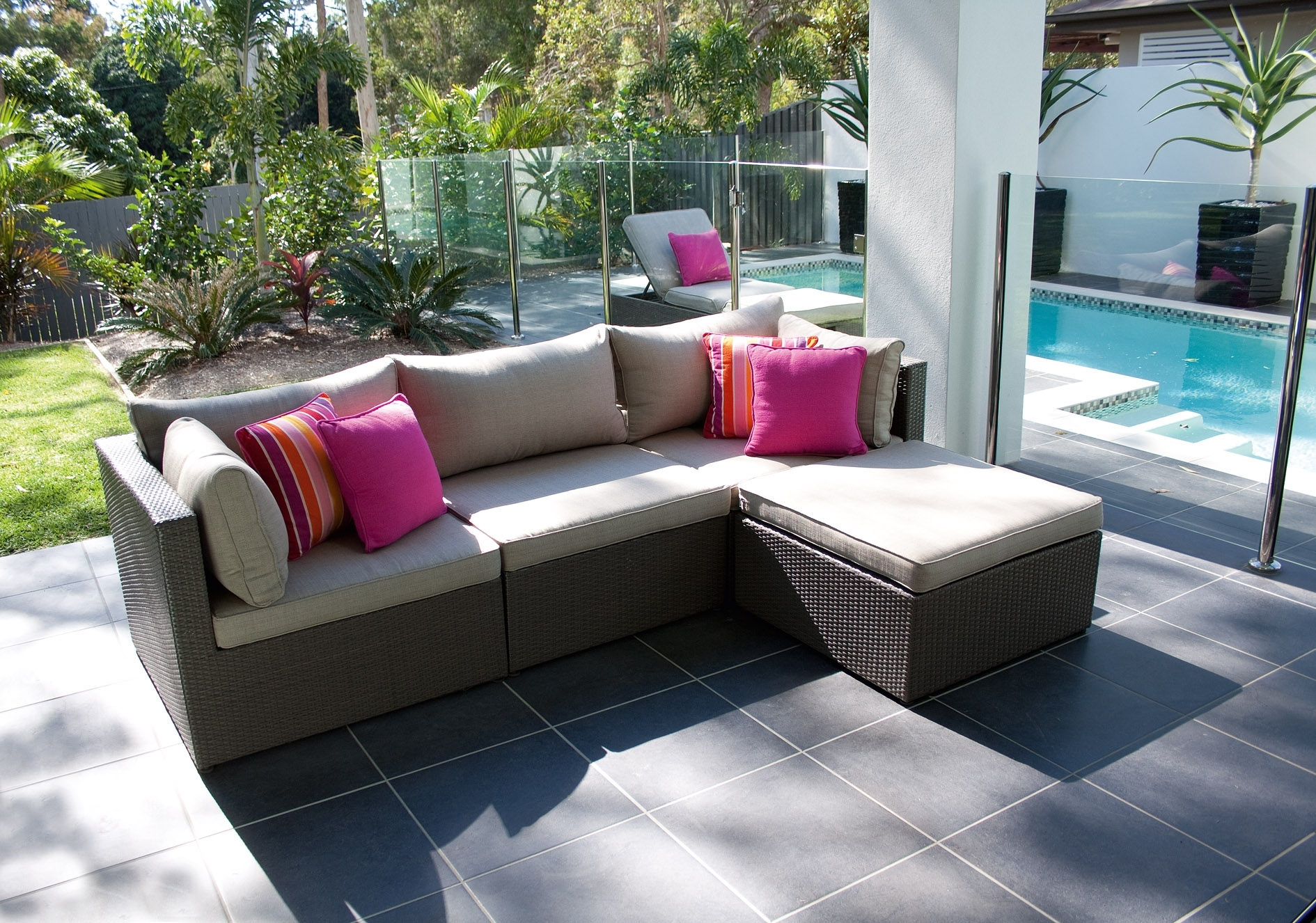 Image of: Outdoor Lounging Furniture Lounge Sets Rental Chicago Clearance With Outdoor Lounge Furniture Modern Outdoor Lounge Furniture Modern Design