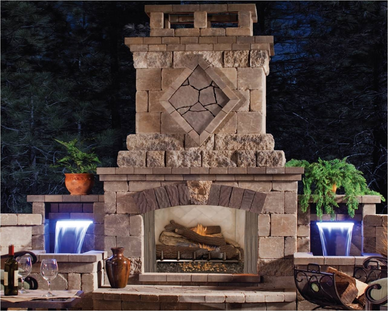 Image of: Partying On Outdoor Fireplace Bedroom Ideas In Outdoor Wood Fireplace Design Outdoor Wood Fireplace Designs