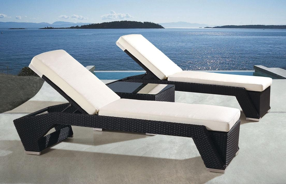 Image of: Patio Modern Design Patio Lounge Chairs With No Cushions On The Inside Outdoor Lounge Chairs With Cushions Outdoor Lounge Chairs With Cushions