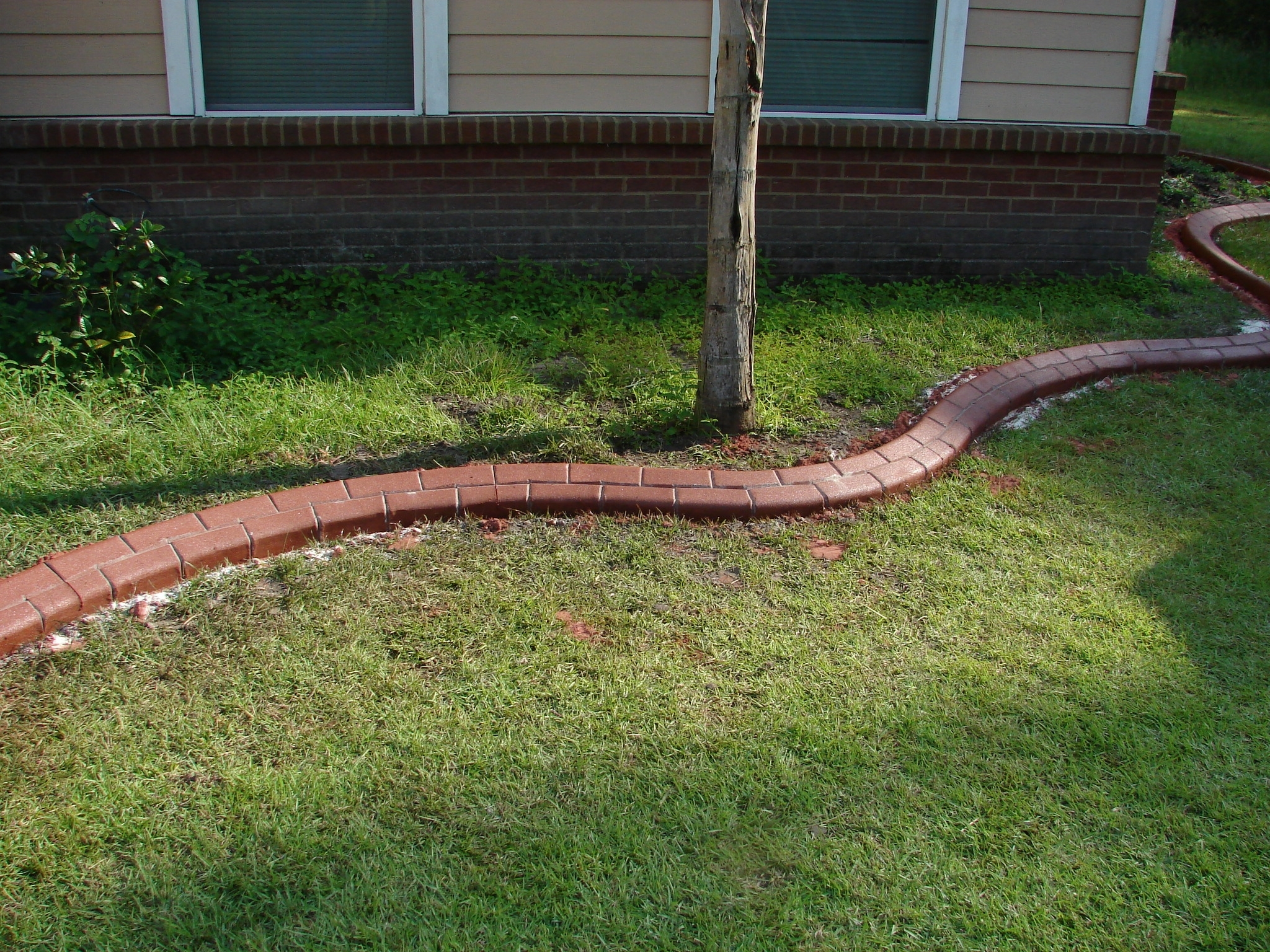 Image of: Perfect Design Landscape Brick Edging Best Concrete Borders For In Landscape Concrete Edging Installation Landscape Concrete Edging Installation
