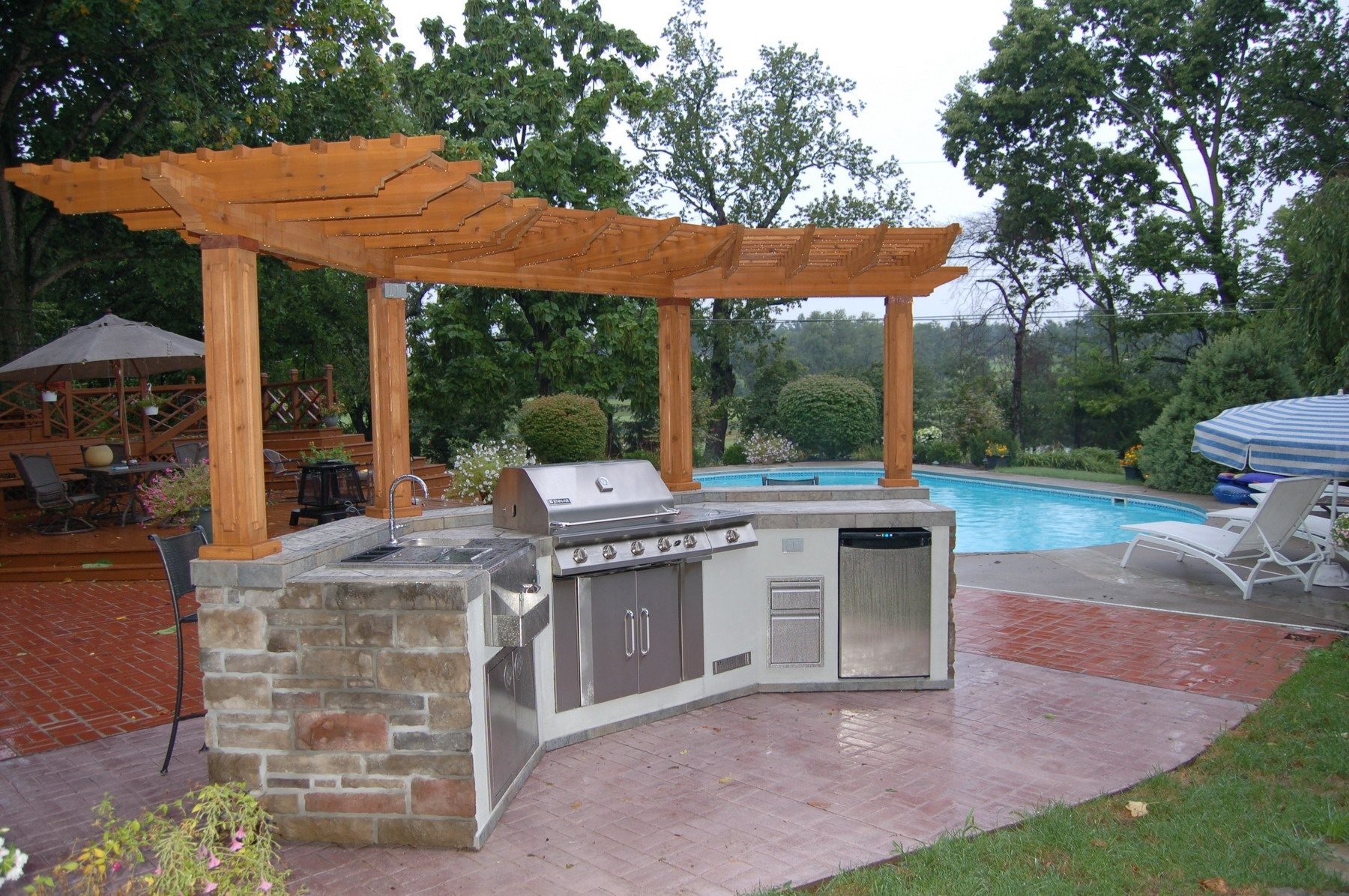 Image of: Pergola Design Ideas Outdoor Kitchen With Pergola Most Inspiring Regarding Outdoor Kitchen Roofs Outdoor Kitchen Roofs Painting