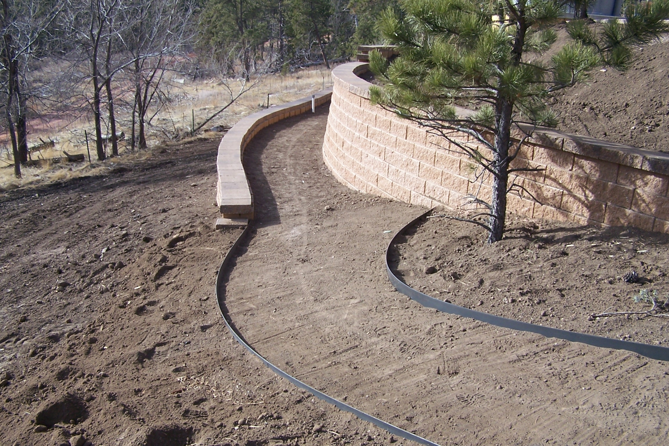 Image of: Plastic Pvc Steel Or Aluminum Landscape Edging How To Install Intended For Landscape Concrete Edging Installation Landscape Concrete Edging Installation