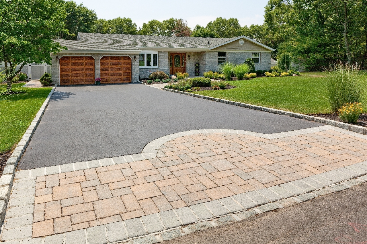 Image of: Popular Driveway Landscaping Ideas With Landscaping Driveway Ideas Inside Driveway Landscape Ideas Beautiful Driveway Landscape Ideas