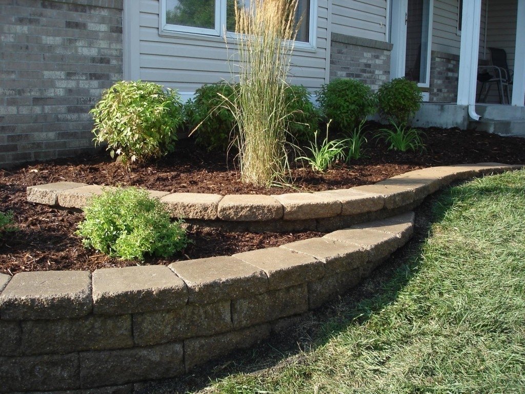 Image of: Retaining Wall Designs For Curbside Landscape Ideas