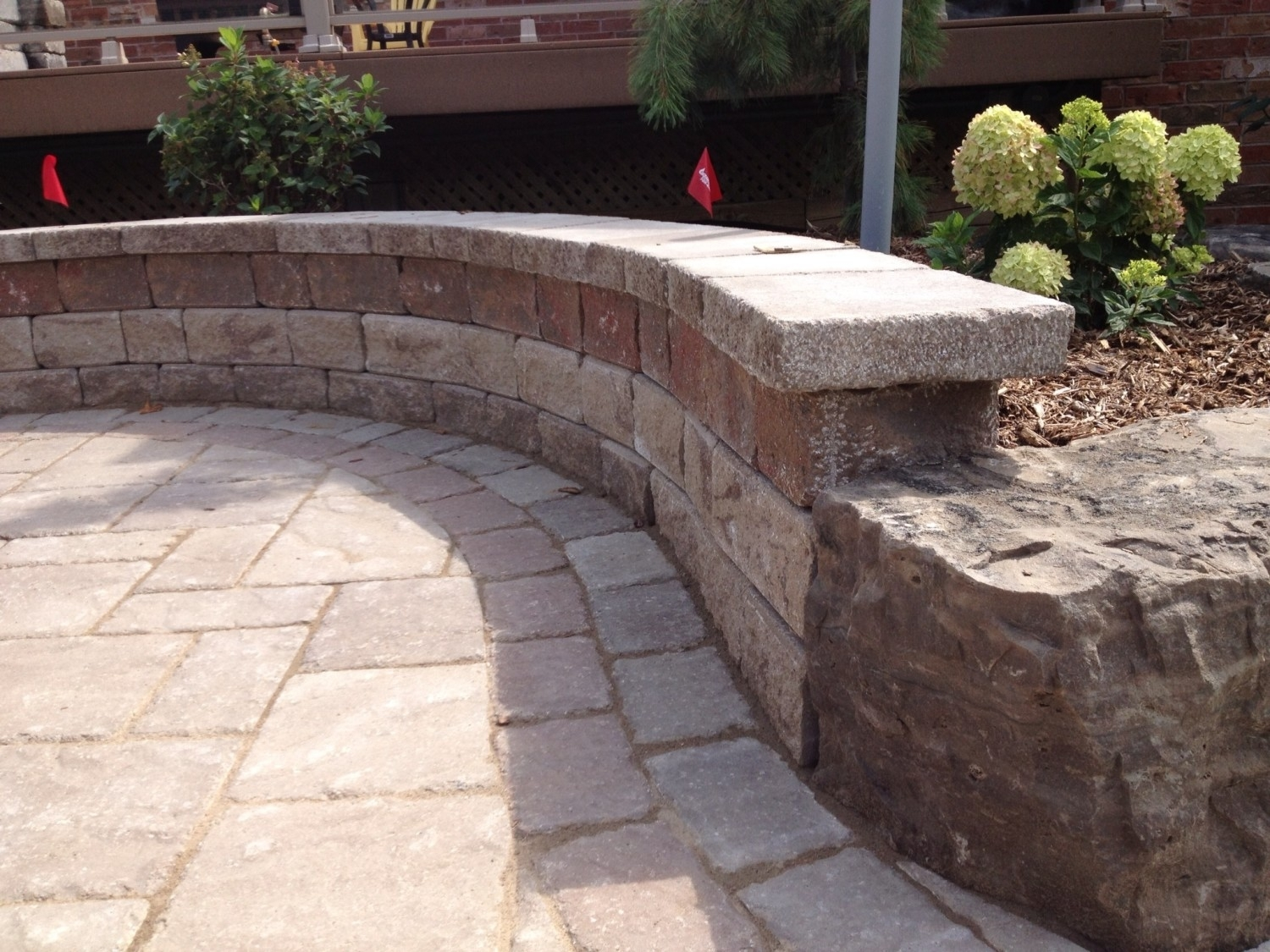 Image of: Lakeridge For Landscape Retaining Wall