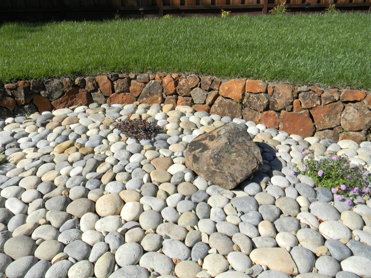 Image of: River Rock Decorative Gravel Depot Bloc Laval Briques Et Pierres In Decorative Landscape Gravel Different Types Decorative Landscape Gravel
