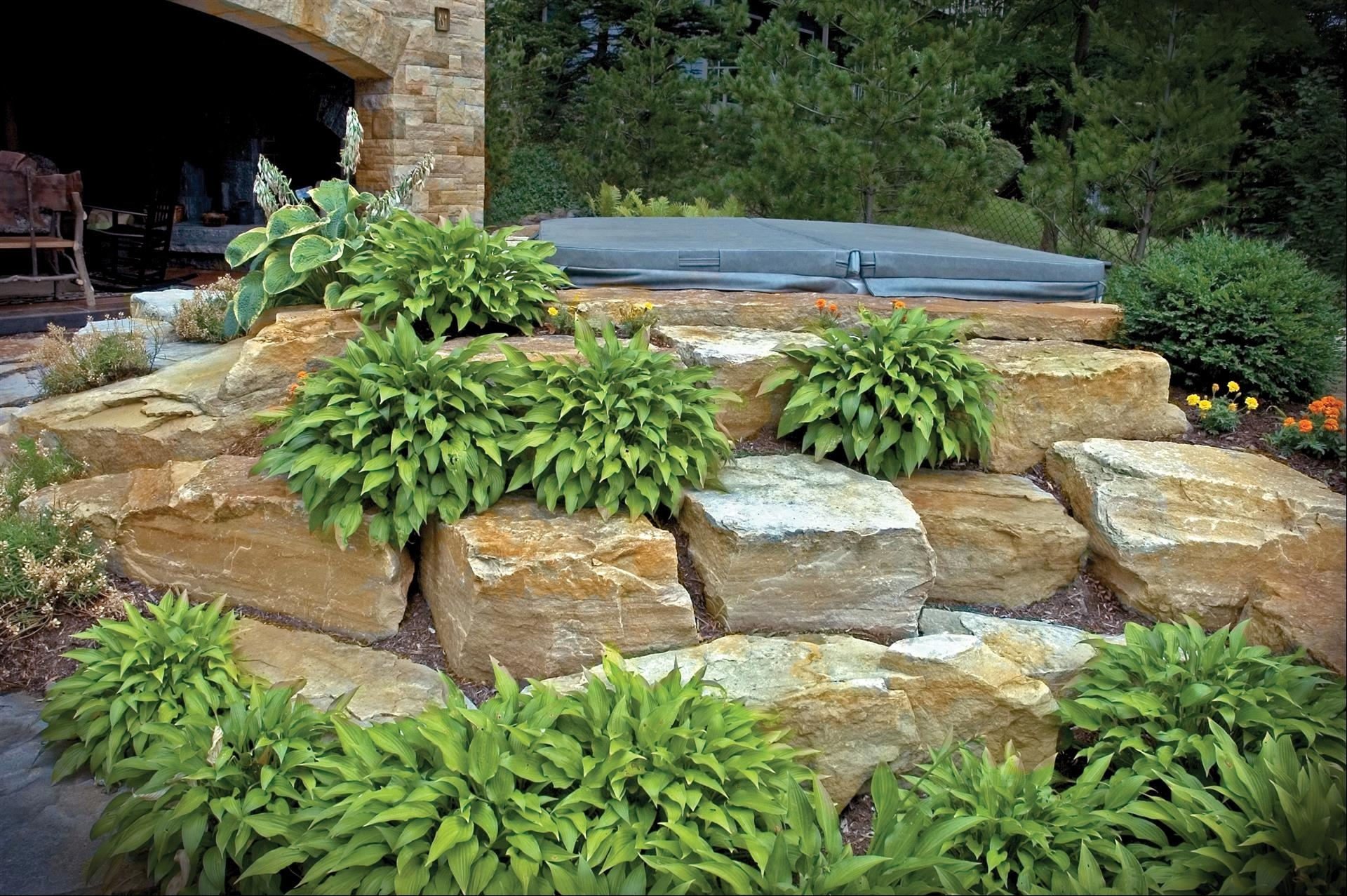Image of: South Bay Cluster Boulders For Landscaping