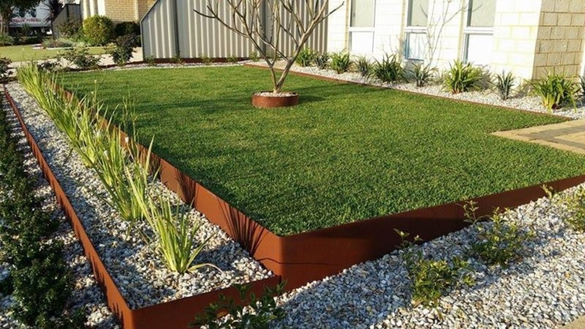Image of: Steel Edging For Landscape Metal Edging Garden