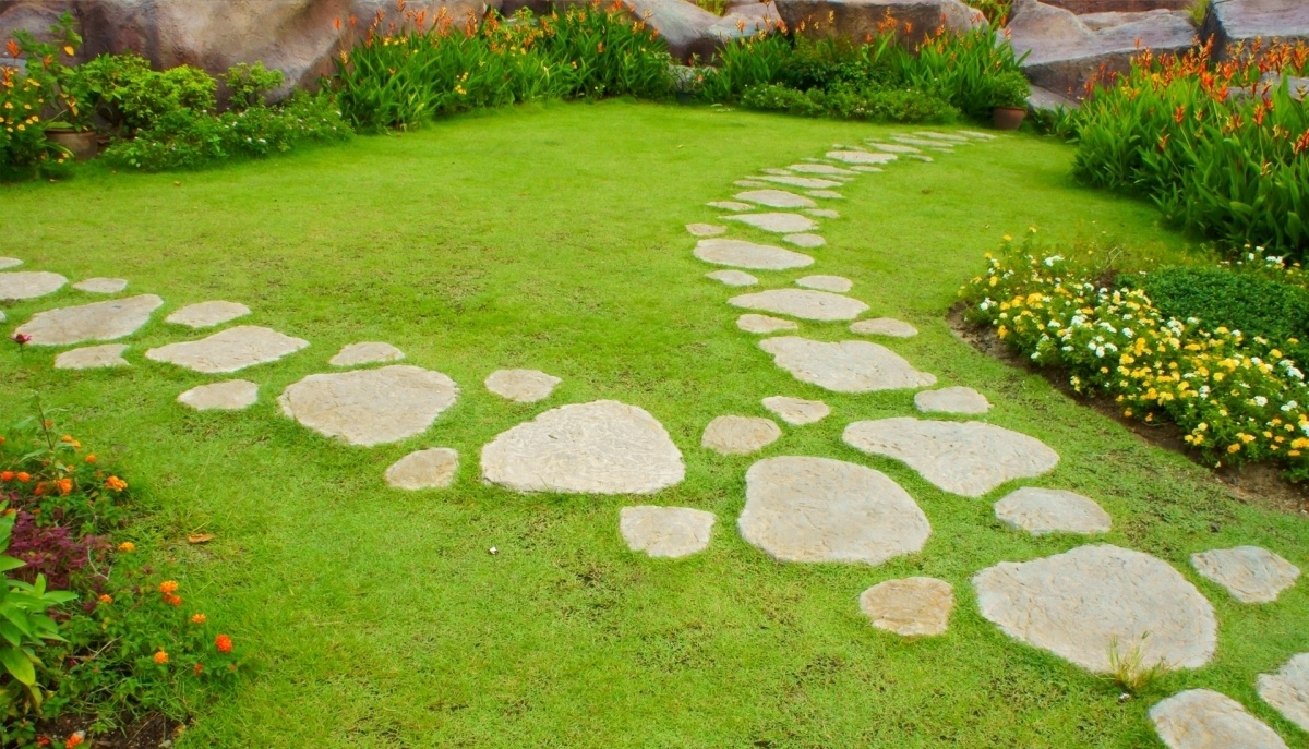 Image of: Stepping Stones All County With Beauty Landscape Stepping Stones