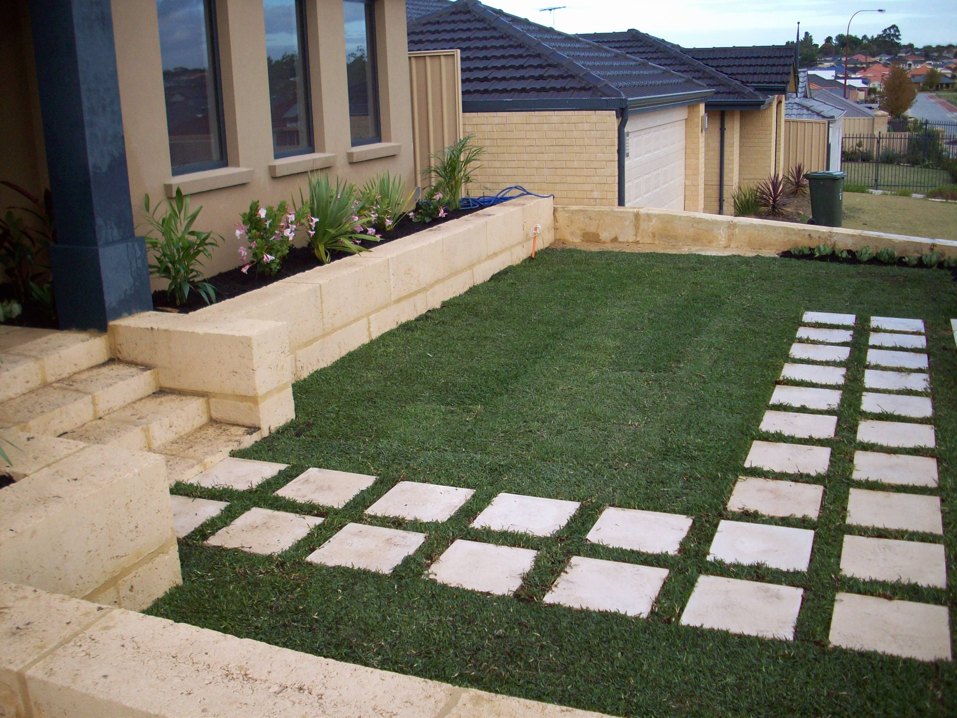 Image of: Arches Landscaping Garden With Stepping Stones