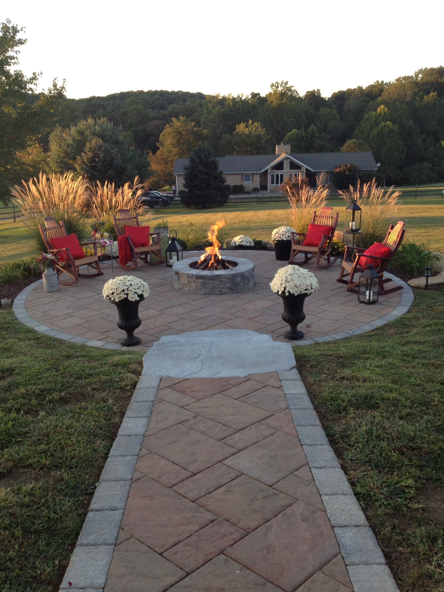 Image of: Swan Creek Landscaping Leaders In Outdoor Living With Landscaping Pavers Easy Steps To Install Landscaping Pavers