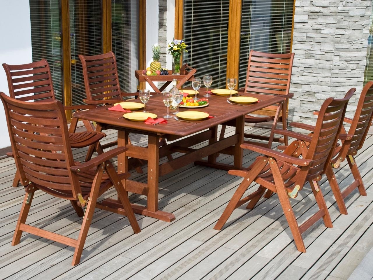 Image of: Tips For Refinishing Wooden Outdoor Furniture Diy For Outdoor Teak Wood Furniture Ways To Keep Outdoor Teak Wood Furniture