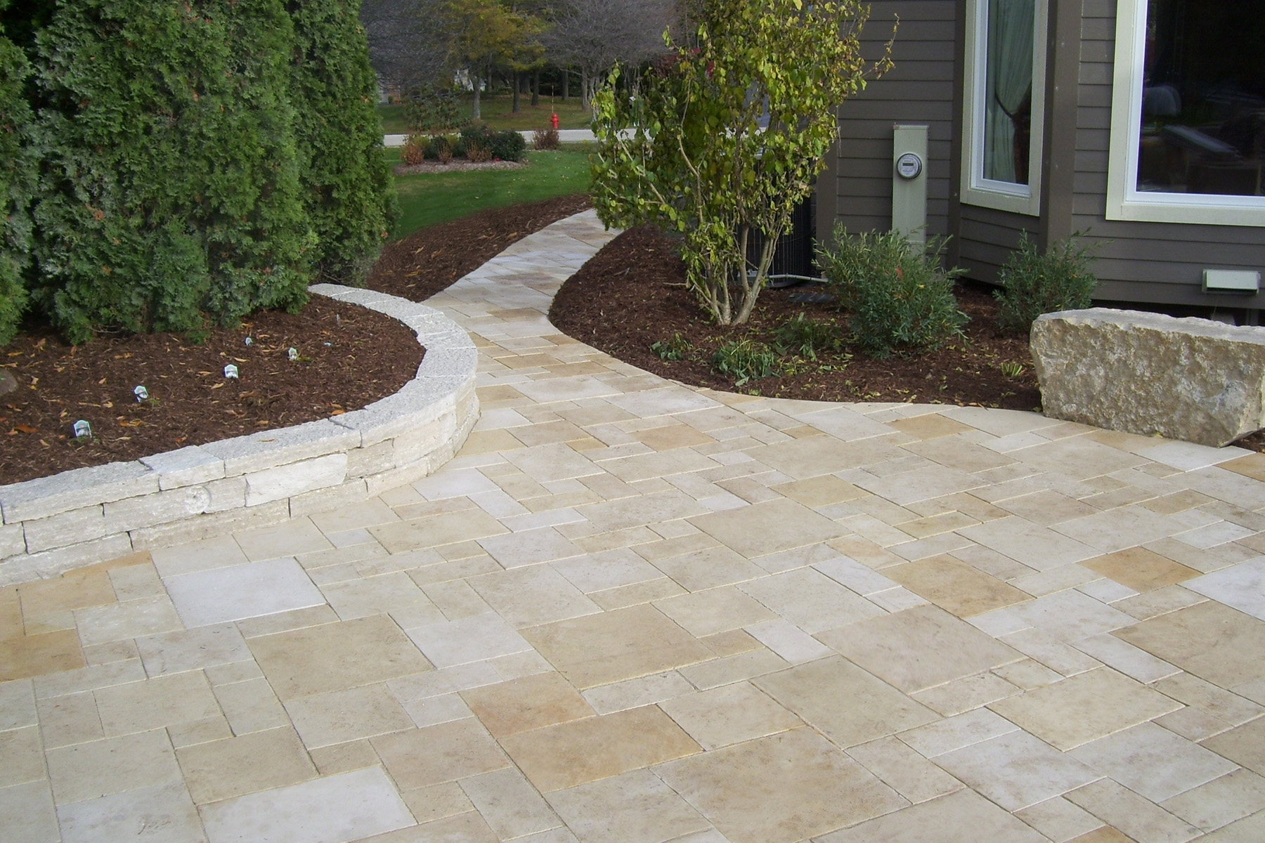 Image of: Valders Rustic Pavers Lurvey Landscape Supply Inside Landscaping Pavers Easy Steps To Install Landscaping Pavers
