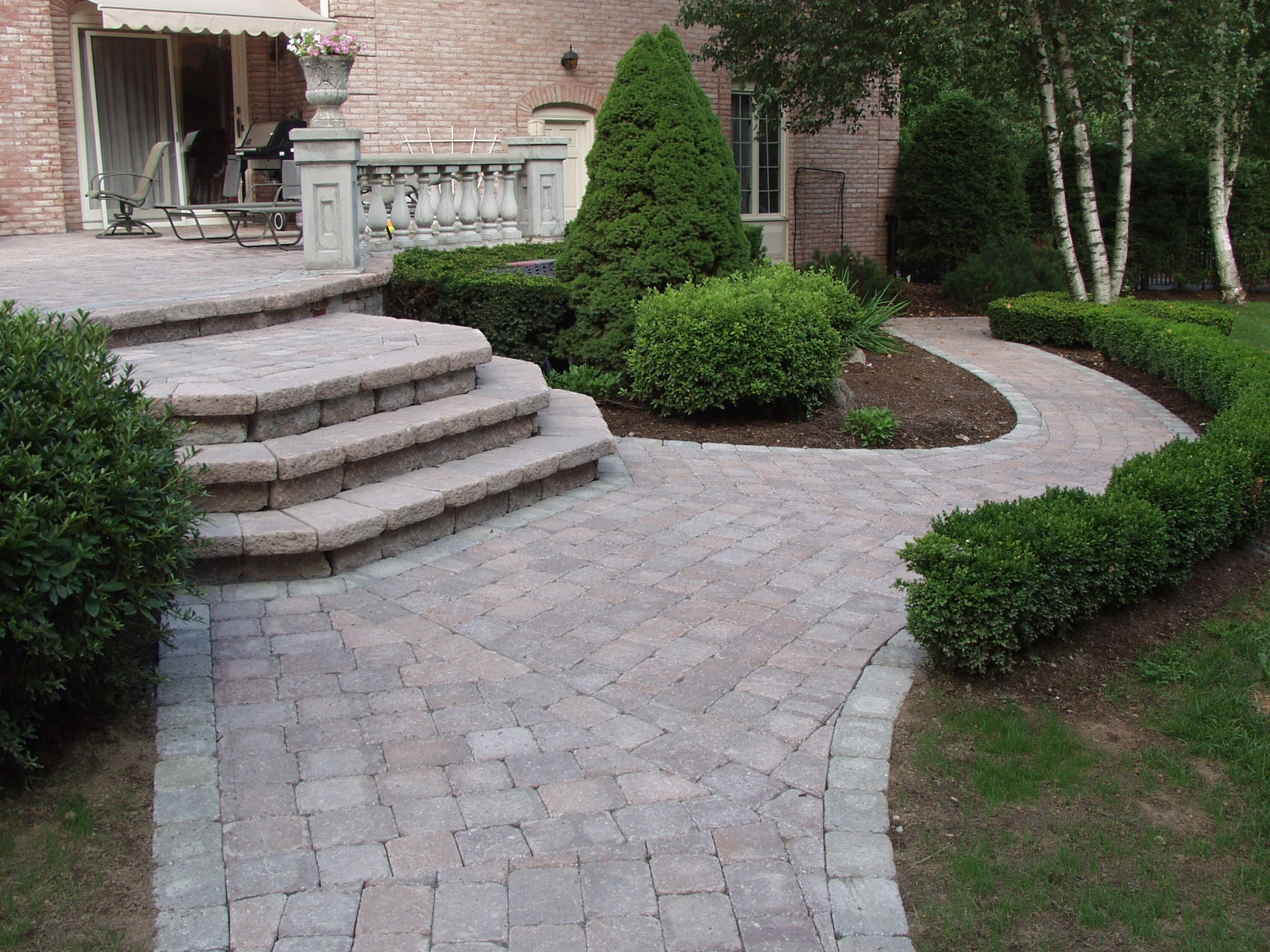 Image of: Vining Stone Landscaping Pavers Inside Landscaping Pavers Easy Steps To Install Landscaping Pavers