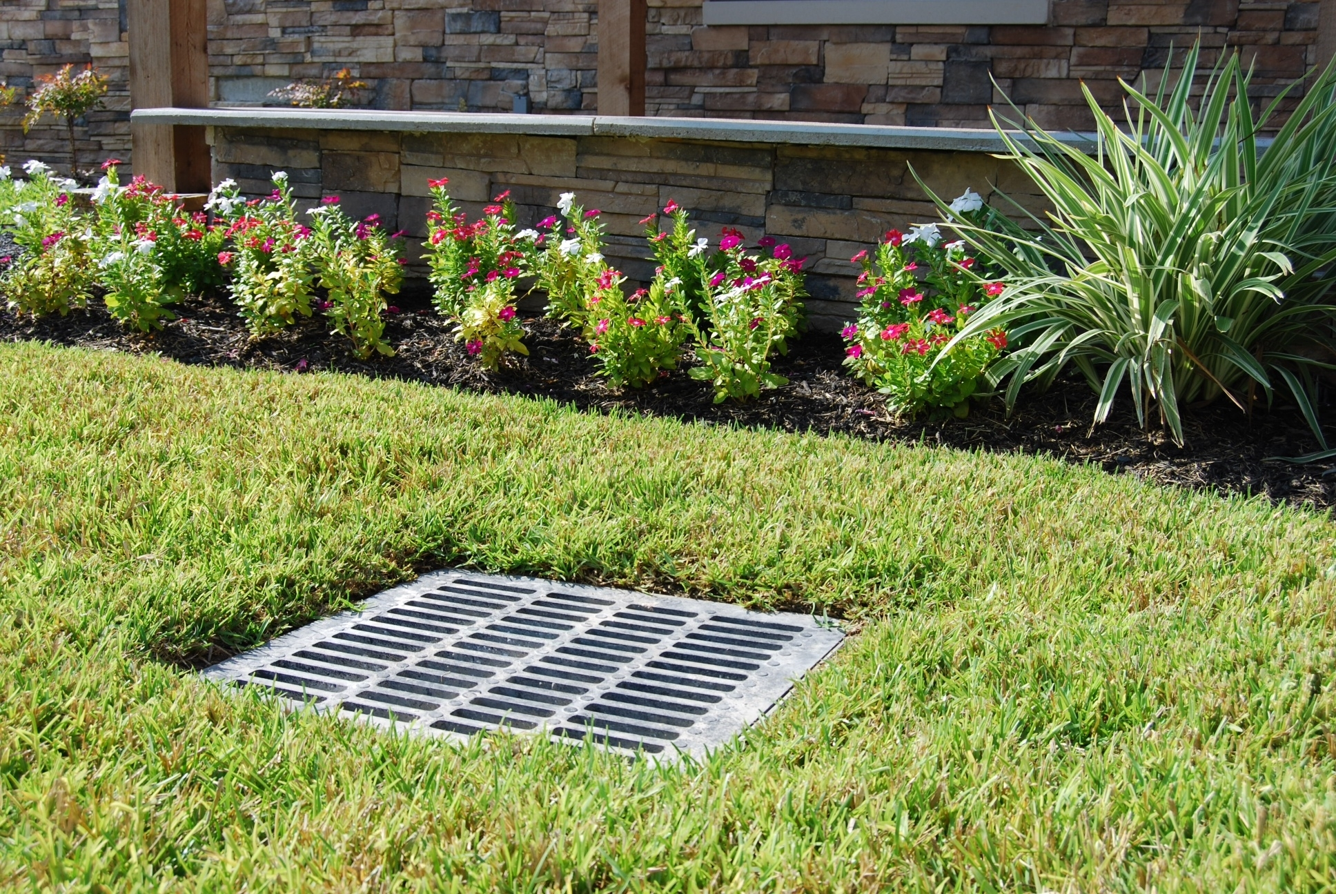 Image of: We Create Best Plan Ideas For Landscaping A Ditch With Regard To Drainage Ditch Landscaping Ideas Natural Drainage Ditch Landscaping Ideas
