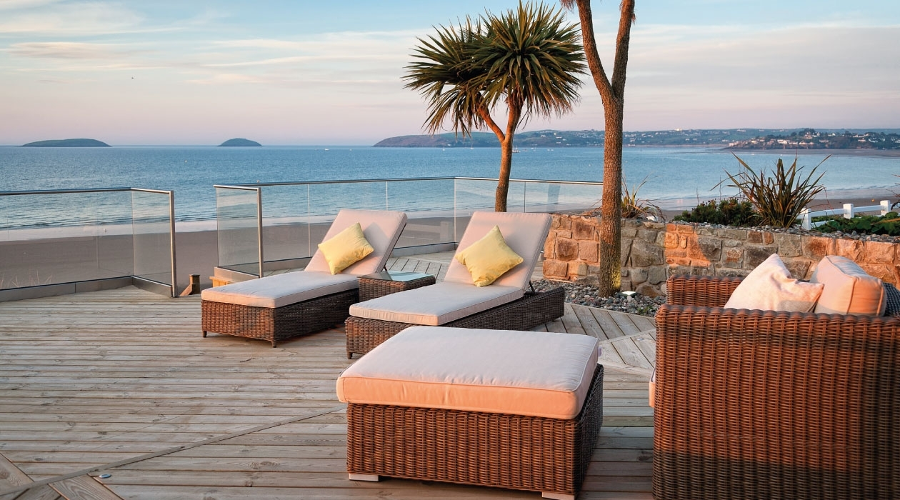 Image of: Welcome To Akulaleading Provider In Quality Outdoor Furniture With Regard To Resort Outdoor Furniture Beautiful Resort Outdoor Furniture