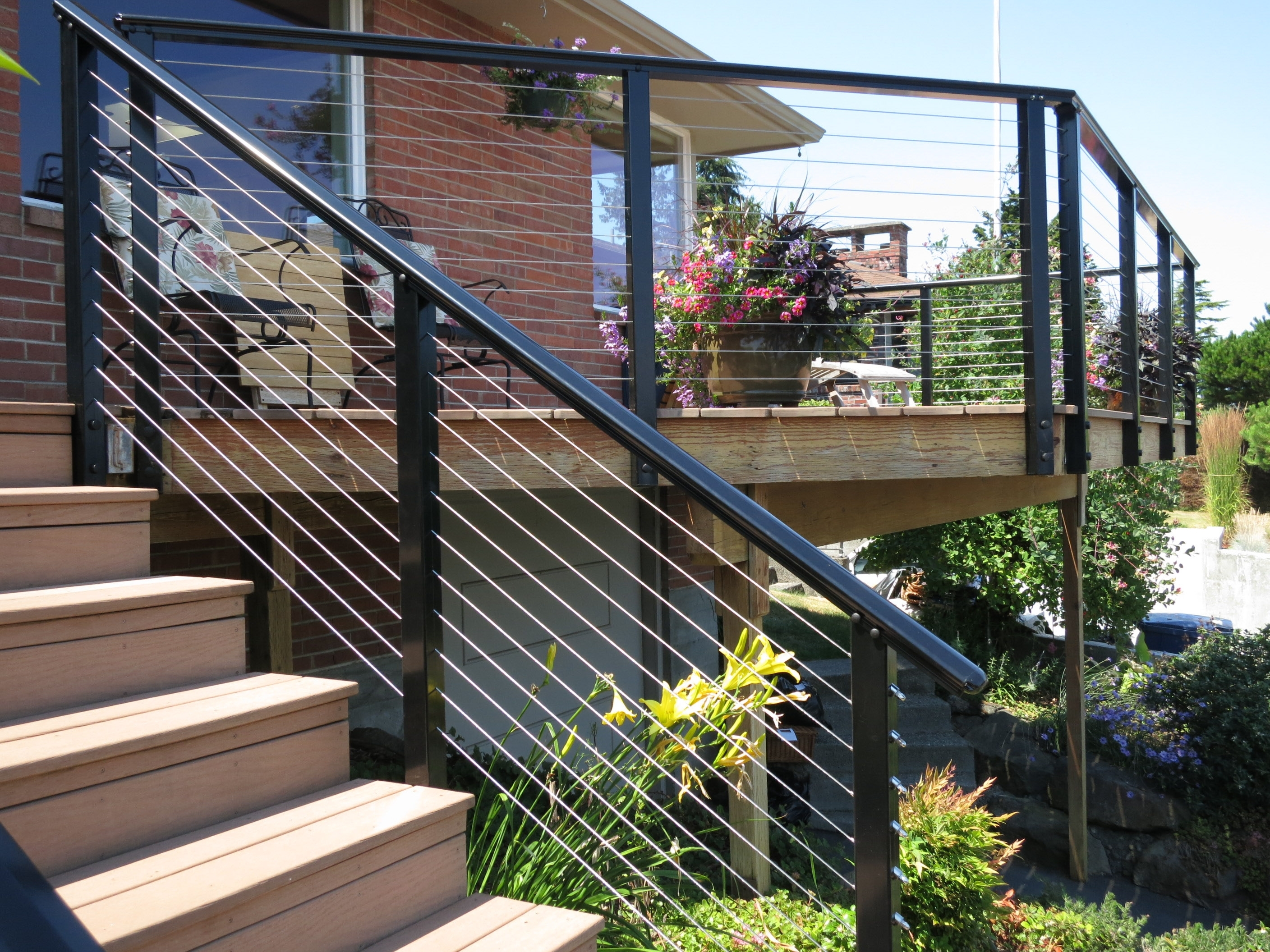 Image of: Deck Railing Ideas With Aluminum Porch Railings Ideas