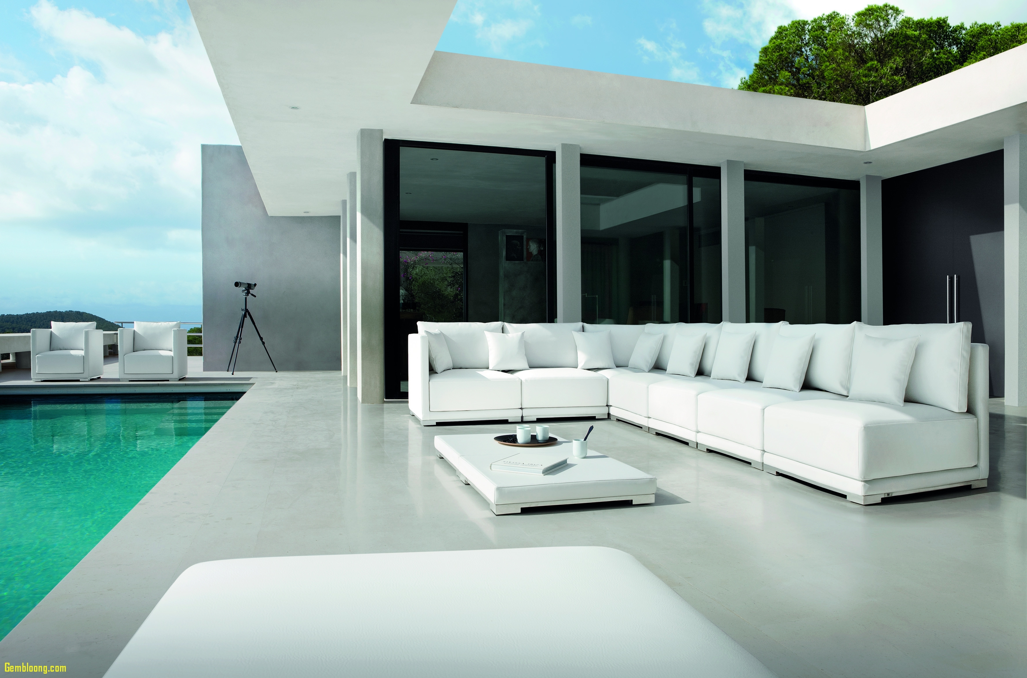 Image of: Great Furniture For High End Outdoor Furniture